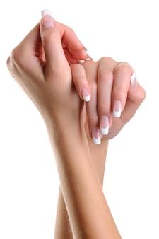 Красивые элегантные женские руки