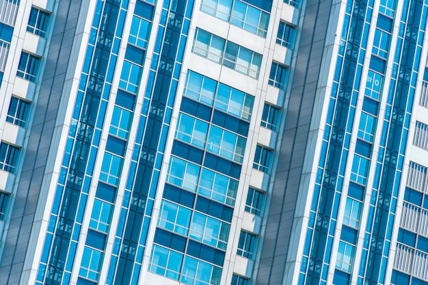 Красивое внешнее здание и архитектура с рисунком окна