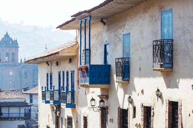 ペルーの美しい有名なクスコの街。