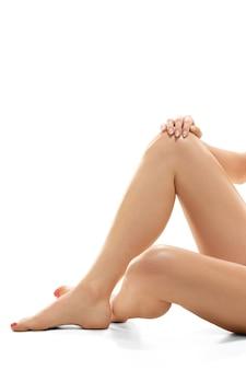 Красивое женское тело, изолированные на белом фоне