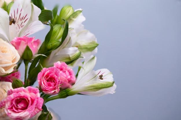 美しい花の背景。グリーティングカード、母の日、結婚式の招待状、誕生日。コピースペース