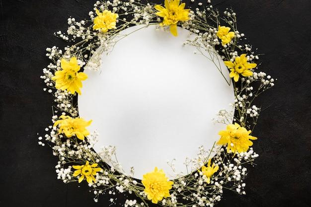 コピースペースを持つ美しい花のコンセプト