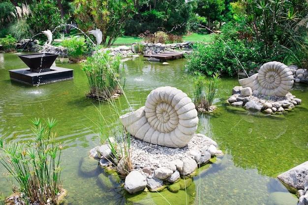 봄에는 아름다운 정원 호수