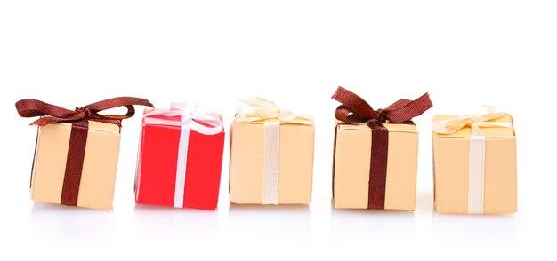 흰색 절연 활과 아름다운 선물