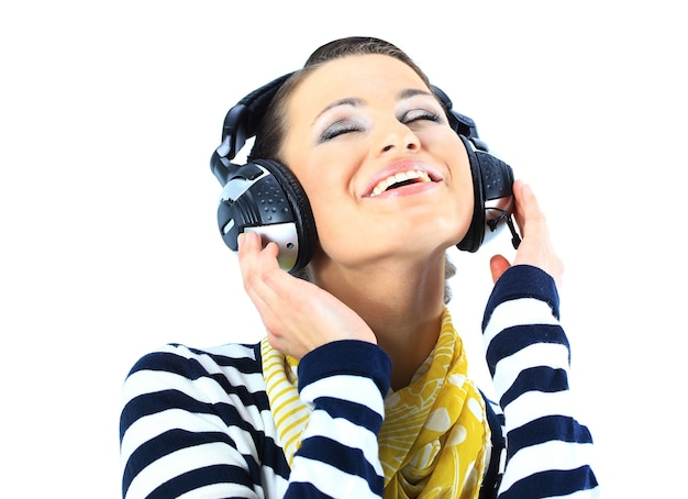 헤드폰으로 아름 다운 여자입니다. 흰색 배경에 고립