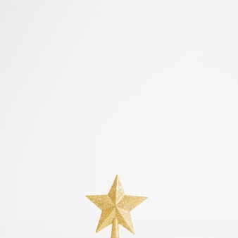 Красивая звезда золотого орнамента