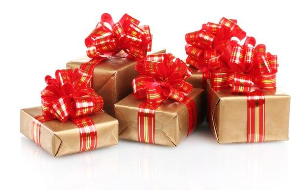 흰색 절연 빨간 리본으로 아름 다운 황금 선물