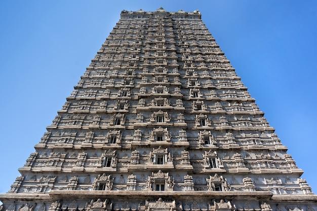 Beautiful high tower, with a height of 184 meters.raja gopuram tower. murudeshwar. karnataka, india. attraction and gokarna excursion from goa.