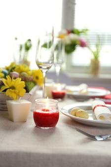 Красивая праздничная пасхальная сервировка стола