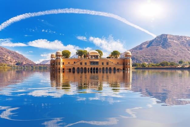 Beautiful jal mahal palace in india, amer, jaipur, rajasthan.