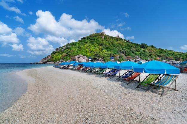 Bellissima isola di koh nangyuan a surat thani, thailandia