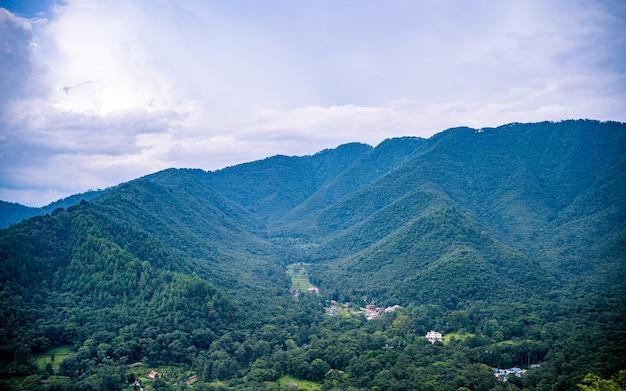 카트만두 네팔에서 여름 시간에 아름다운 ladscape 보기