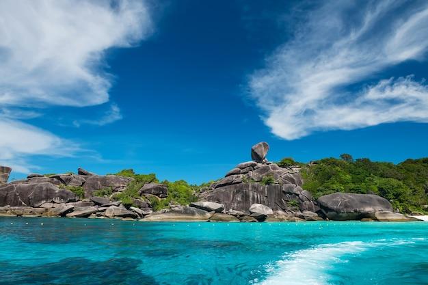 Красивая достопримечательность симиланского острова, пханг нга, таиланд