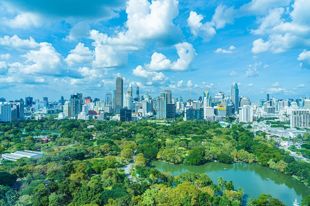 Beautiful landscape of cityscape with city building around lumpini park in bangkok thailand Free Photo