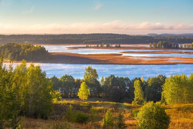 ベラルーシのブラスラウ湖国立公園の美しい風景
