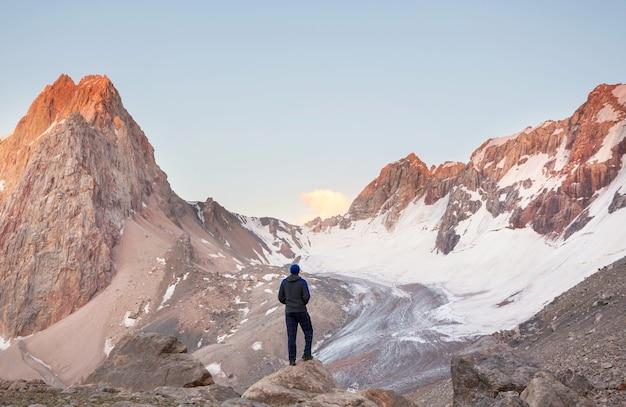Красивый пейзаж фанских гор, таджикистан