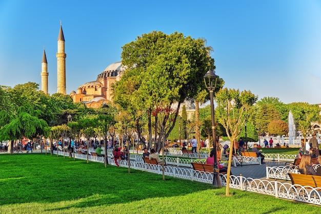 Красивый пейзаж, городской вид, городские улицы, люди, архитектура стамбула, турция