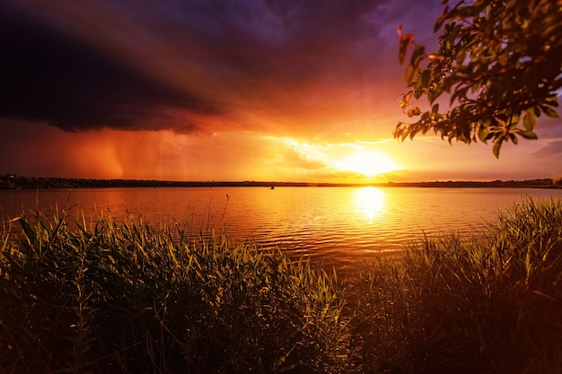 夕日の美しい風景