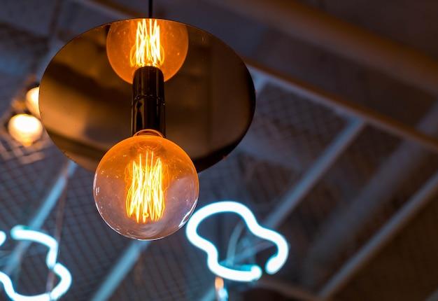 Bellissima decorazione della lampada di luce incandescente