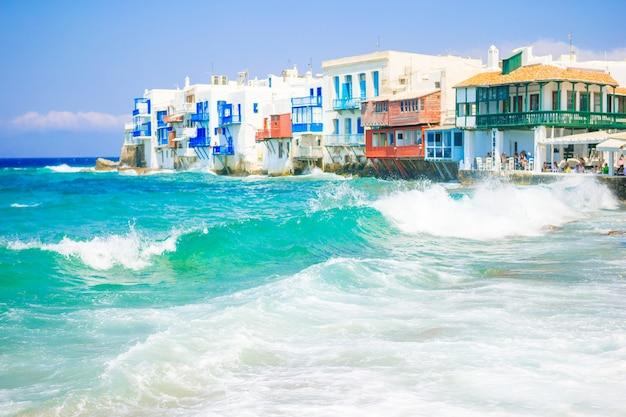 Красивая маленькая венеция на острове миконос на греции, киклады