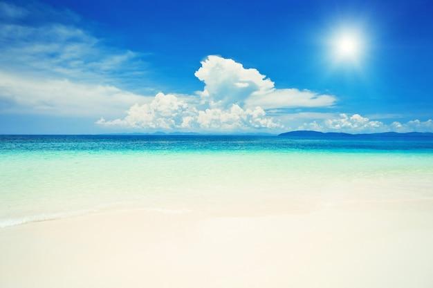 태국 크라비 지방의 아름다운 외로운 해변