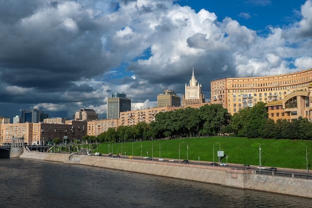 美しいモスクワの街並み美しい家々とモスクワのパノラマビュー