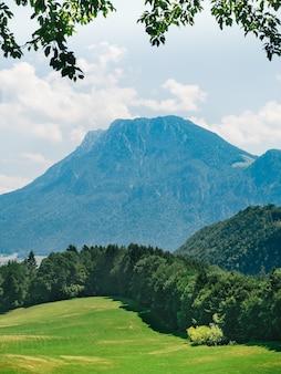 Красивый горный пейзаж в баварских альпах