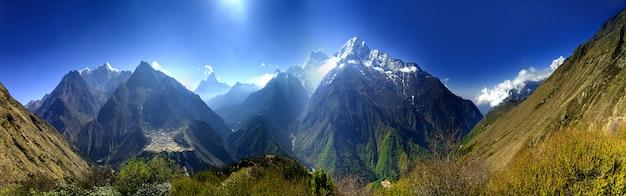 美しい山の風景。