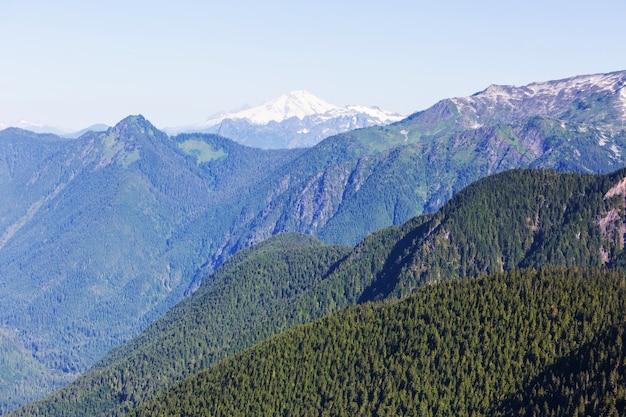 노스 캐스케이드 산맥, 워싱턴, 미국의 아름다운 산봉우리 프리미엄 사진