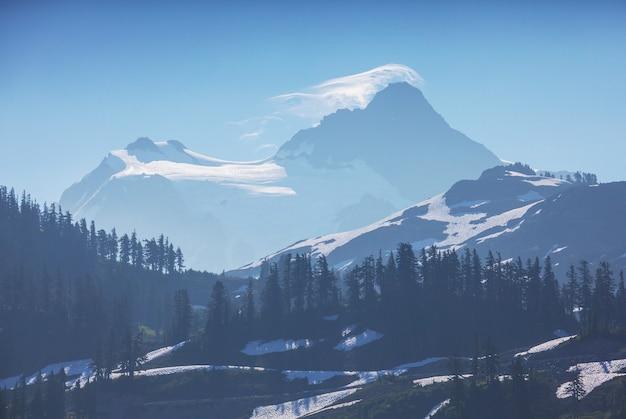 노스 캐스케이드 산맥, 워싱턴, 미국의 아름다운 산봉우리