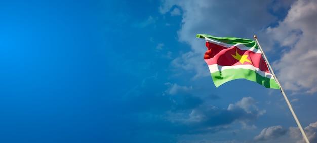 スリナムの美しい国民国家の旗