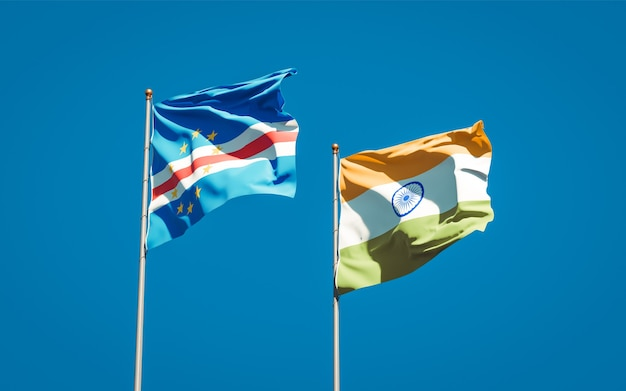 Красивые национальные государственные флаги индии и кабо-верде вместе