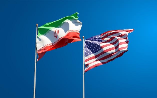 Красивые национальные государственные флаги ирана и сша вместе