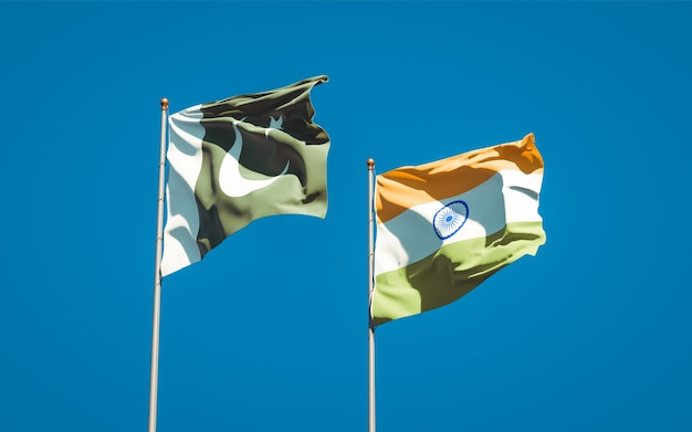 一緒にパキスタンとインドの美しい国の旗