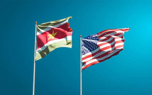 一緒にスリナムとアメリカの美しい国の旗