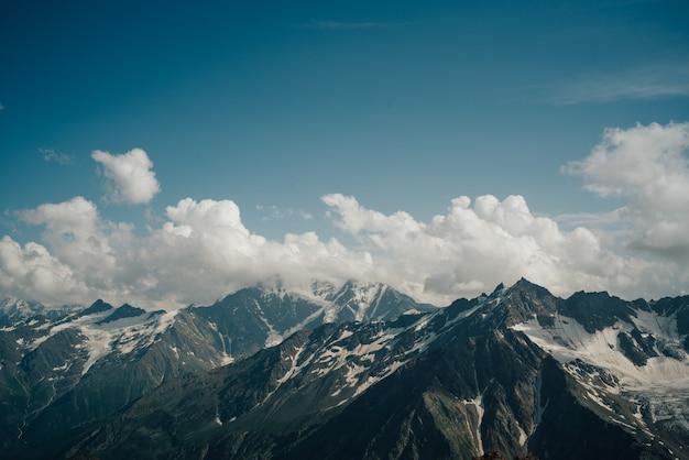 Красивый природный ландшафт гор