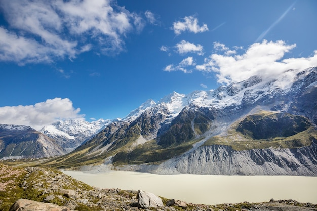 Beautiful natural landscapes in mount cook national park, south island, new zealand