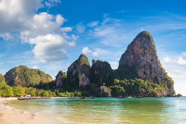 Красивая природа на пляже рейли, краби, таиланд