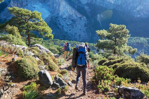 トルコの山々の美しい自然の風景。リシアンウェイはハイカーの間で有名です。
