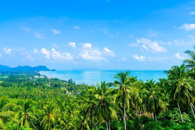 タイ、ナコンシータマラートのナーンテワダ視点での美しい海の海の眺め