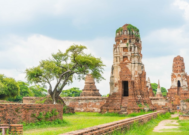 タイのアユタヤの美しい古い建築史跡 無料写真