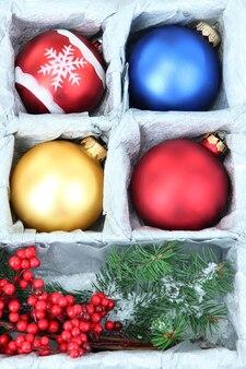 美しいパッケージのクリスマスのおもちゃ、クローズアップ