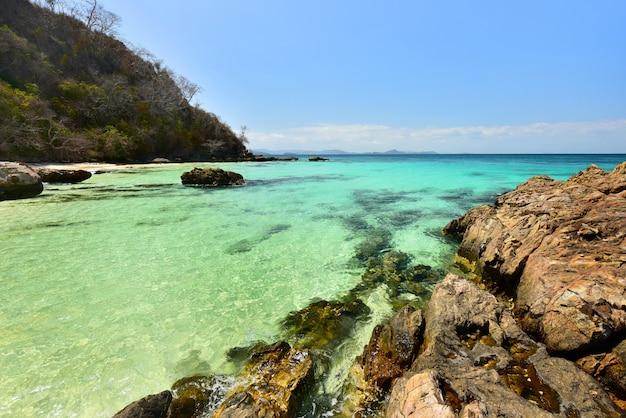 タイ、プーケットの美しいプライベートビーチ島