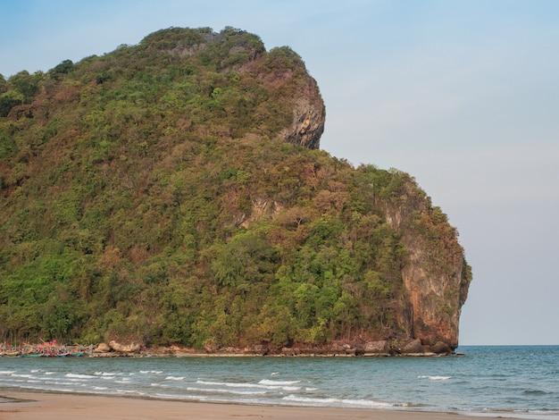 タイの美しい砂浜の風景