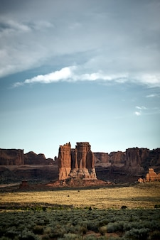 Splendido scenario di un paesaggio del canyon nel parco nazionale di arches, utah - usa
