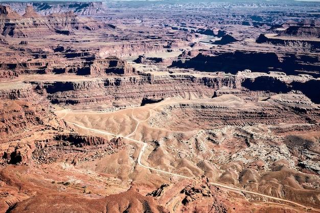 Splendido scenario di un paesaggio di canyon nel parco statale di dead horse point, utah, usa