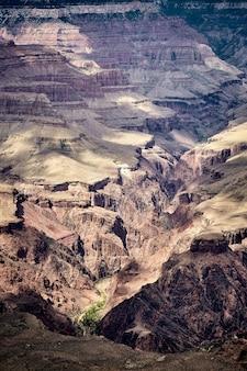 Splendido scenario di un paesaggio di canyon nel parco nazionale del grand canyon, arizona - usa