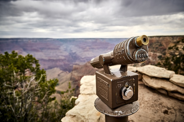 アリゾナ州グランドキャニオン国立公園の視点望遠鏡の美しい風景-アメリカ