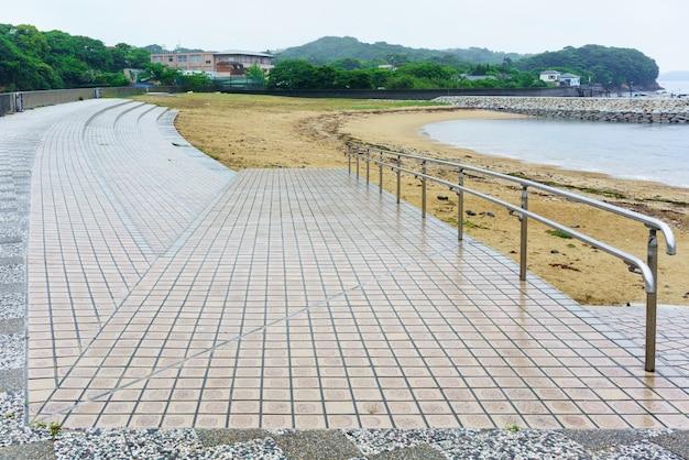 Красивые пейзажи приморского парка асаригахама, мие, япония