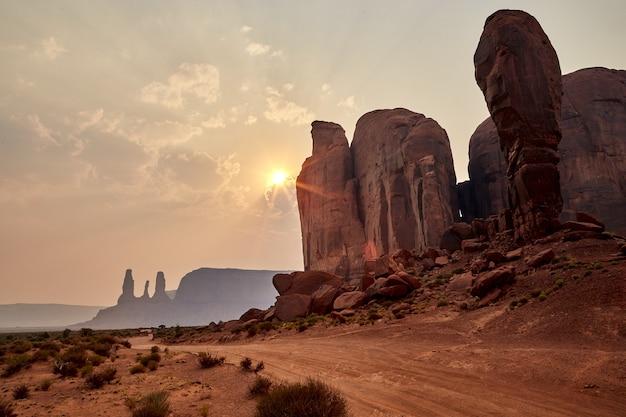 Красивые пейзажи пейзажа столовых гор в национальном парке брайс-каньон, штат юта, сша